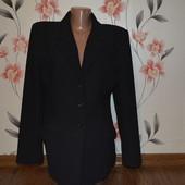 Продам пиджак в рубчик для пышных форм