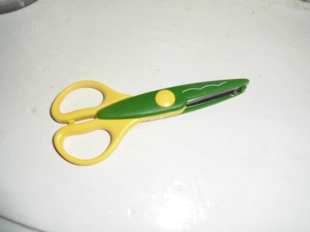 Ножницы для изготовления открыток