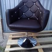 Кресло парикмахерское или просто для дома