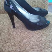 Шикарные туфельки 38 размер
