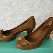Фирменные туфли Clarks стелька 24,3 см, размер 37,5