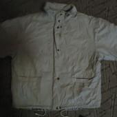 Отличная деми-куртка .состояние отличное.смотрите размер