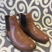 Класные, кожаные  полуботинки челси германского бренда Cox. р 39