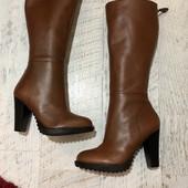 Високі чоботи із натуральної шкіри,від San Marina,розмір 37