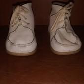 Ботинки на самых маленьких. По стельке: 12,5  (Упаковка и комбинирование лотов - бесплатно!)