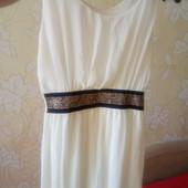 Платье очень легкое и нарядное