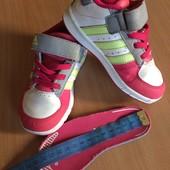 Adidas кроссовки  оригинал 24 размер