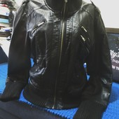 Оригинал!Кожаная курточка-Amisu-М-ка. Гарн.стан.