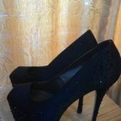 Очень красивые туфли в идеальном состоянии (Golden Party) -25см.