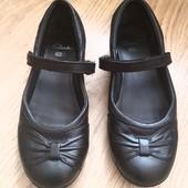 Шкіряні туфлі Clarks 34р.