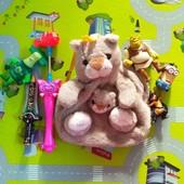 Рюкзачок и игрушки одним лотом