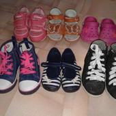 Обувь для девочки 25_26 размер,стелька 15,8-16,2 одни на выбор