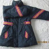 Утепленная демисезонная куртка,пальтишко  для девочки 4-6 лет