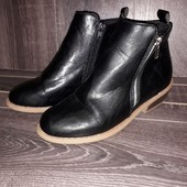 Стоп! Модные ботинки на замочках. Состояние новых.
