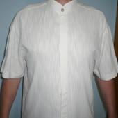 Мужская рубашка с коротким рукавом и воротником стойкой