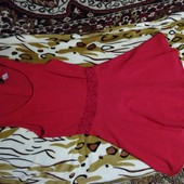 Яркое, лёгкое платье H & M цвет красный, состояние отличное. Размер S