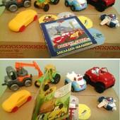 Машинки + книжка, в игровую мальчику