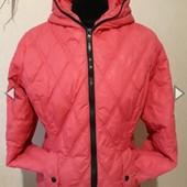 Яркая демисезонная класная курточка