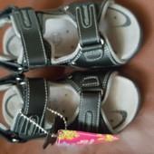 Новые сандалики 27 размер