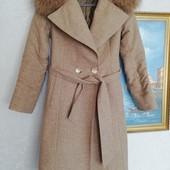 Теплое пальто с натуральным мехом