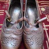 туфлі , 37 рр, по стільці ,23