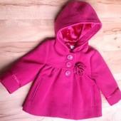 Фирменное яркое пальтишко пальто для девочки 0-3 мес(в реальности 6-9)