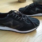 Не пропусти! Фірмові кросівки із натуральноі замші і спорт.матеріалу 38 рр і устілка 24,5 см.