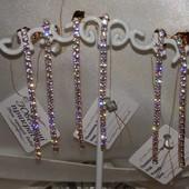 супер новинка! безумно красивые удлиненные серьги-гвоздики с фианитами, позолота 585 пробы