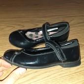 Clarks туфельки 27-28размер замеры на фото