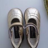 Нарядные кожаные золотые туфельки Италия