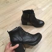 Високі осінні черевички від Marco tozzi!! 38-й розмір, 24 , 5 сантиметрів устілка. В