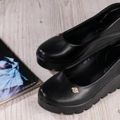 Распрдажа!Модельные туфли на тракторной подошве. У/П -5% скидка.38(34см)