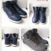 Зимние мужские ботинки, удобные,практичные,на ноге смотрятся супер, размер 40,41,43,44,45