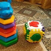 Игрушки для самых маленьких. Одним лотом. Пирамида. Куб сортер.