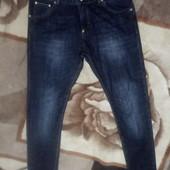 Чудові джинси узкачі, стан нових М