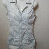 Джинсовой платье 40-42 на молнии