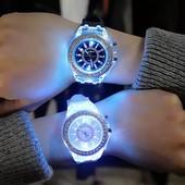 Светящиеся Часы, черные или белые на выбор