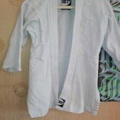 Кимоно с белым поясом
