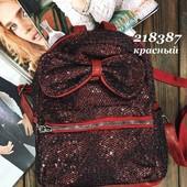 Отличный подарок)))Крутой,стильнячий рюкзак)Фото мои)О покупке не пожалеете)