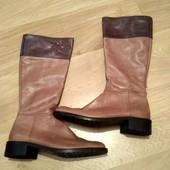 Шкіряні чобітки немаленької ніжки