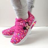 Новые стильные Кроссовочки для девочки Disney с Led подсветкой при ходьбе.