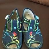 Текстильне взуття 23 розмір