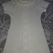 Туника-платье с ажурным узором и воротником хомутом