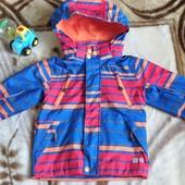 Куртка, ветровка ветро-, водонепроницаемая.