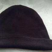 Мужская коричневвая шапка. Сток Америка