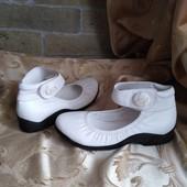 Женские удобные туфли в спортивном стиле Chanel Франция. Размер 37 - 23 см.