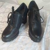 жіночі ботинки