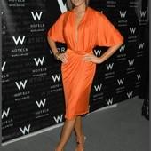Продам красивое платье в стиле Виктории Бекхэм р.М- L!