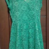 Фирменное красивое ажурное платье в отличном состоянии р. 12-16