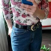 Стильная кофточка/футболка на лето в цветы с открытыми плечами в новом сост. Можна подростку